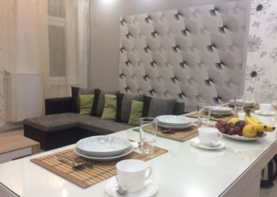 Gutenberg Apartments - 22-es Apartman: Nappali és étkező